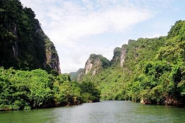 "Phong Nha - Ke Bang ""Museum"" nature study"